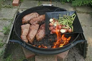 apts las vegas: grilling